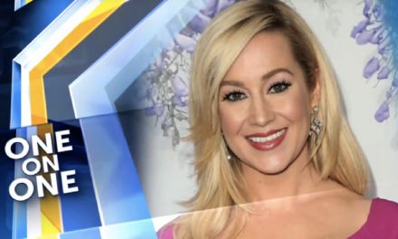 Country Star Kellie Pickler Goes to Graceland