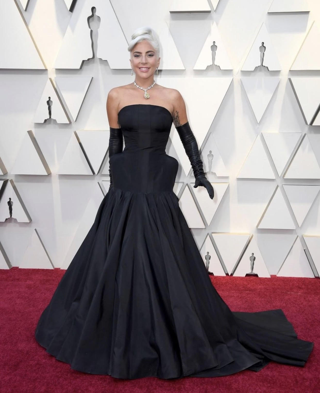 Oscars 2019: The Red Carpet's 8 Best Dressed!